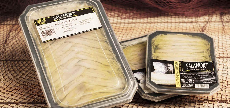 Boquerón en vinagre Salanort en bandeja plástico con tapa.