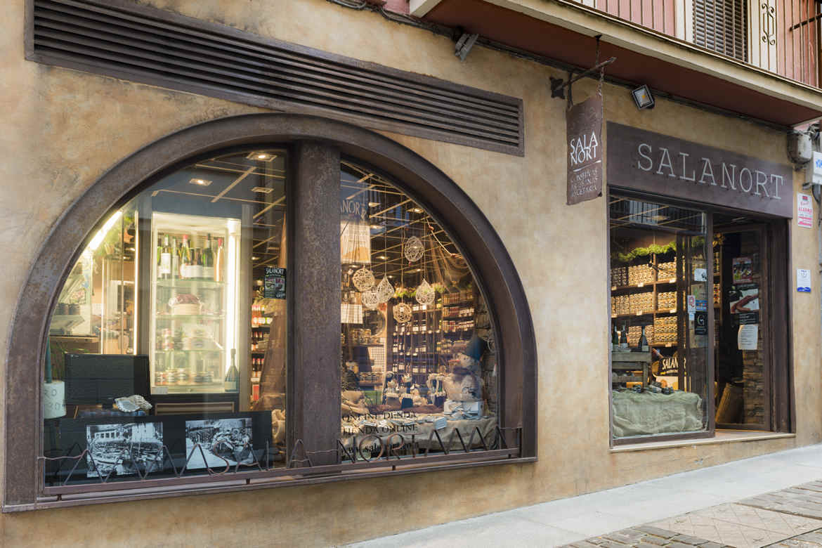 Salanort gourmet products shop. Located in Getaria.